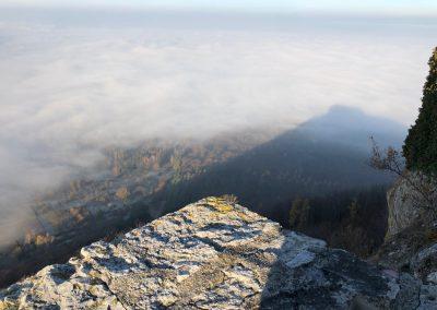 Nebel mit Burg
